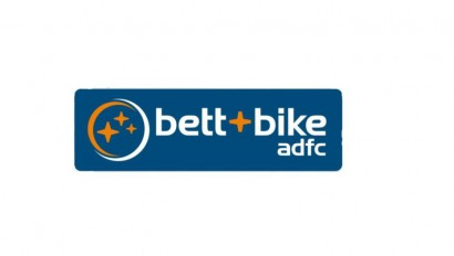 TOM schließt Rahmenvertrag mit dem ADFC ab
