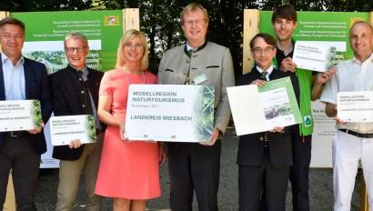 """Scharf und Aigner küren Sieger beim Wettbewerb """"Modellregion Naturtourismus"""""""
