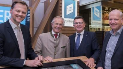 Willkommen im Freistaat: Pschierer eröffnet neue Bayern-Lounge